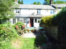 Delightful one bedroom mid-terrace cottage that has recently undergone modernisation